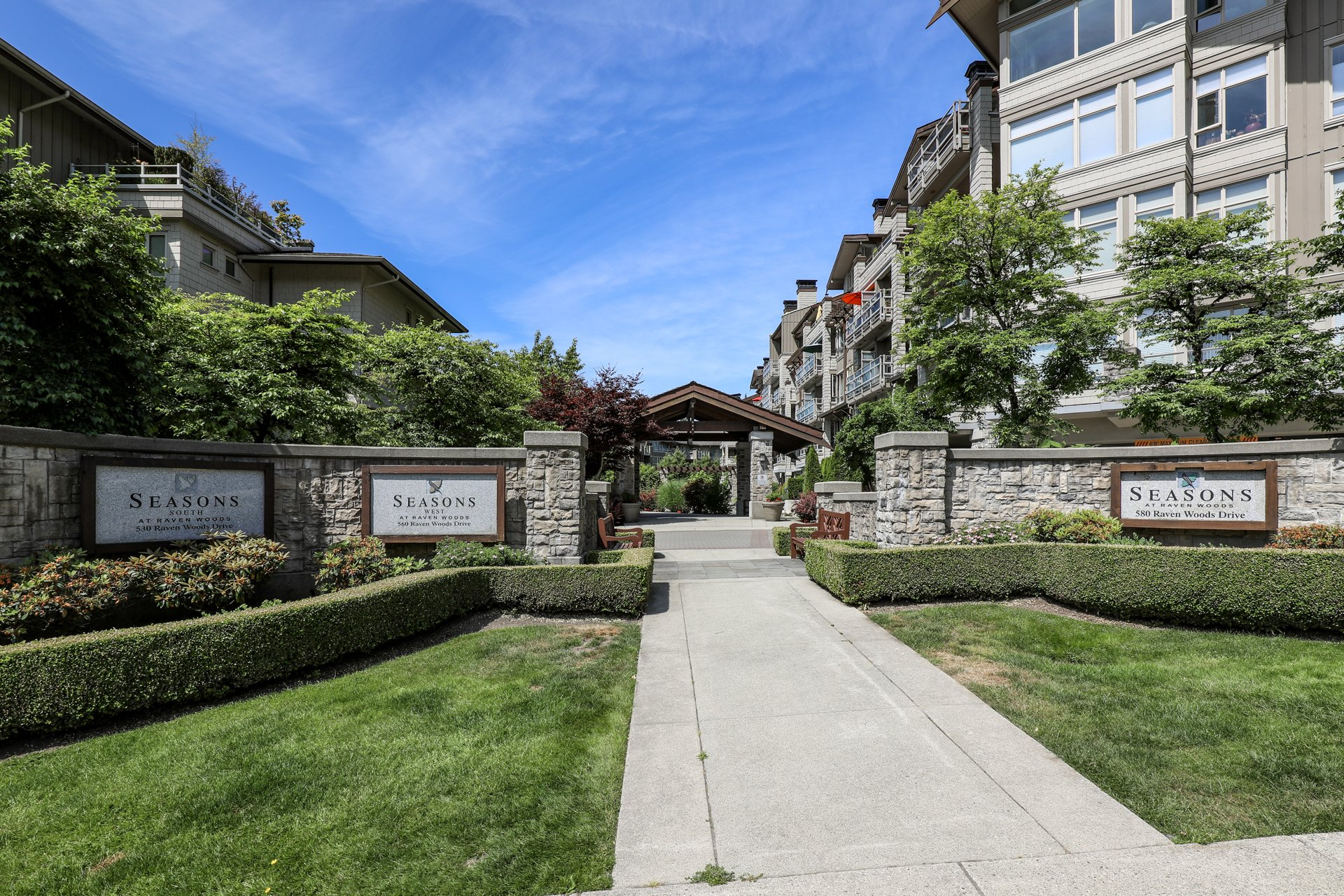 Seasons South - 530 Raven Woods | Condos For Sale + Listing Alerts