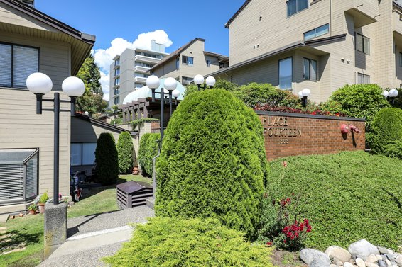 1363 Clyde Avenue, West Vancouver