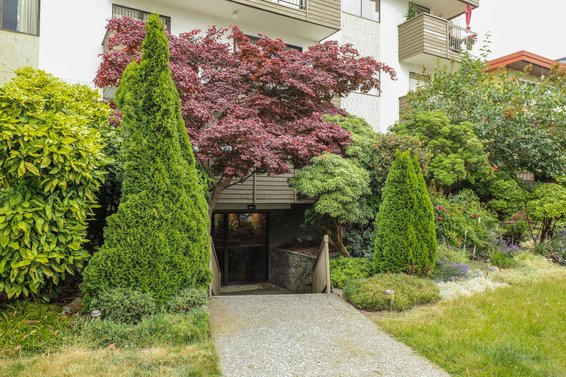 Mountain View Apartments - 1650 Chesterfield | Condos For Sale + Alerts