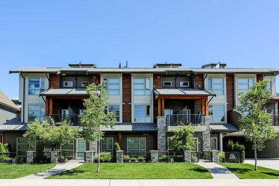 Kings Walk - 244 E 5th St | Townhomes For Sale + Listing Alerts