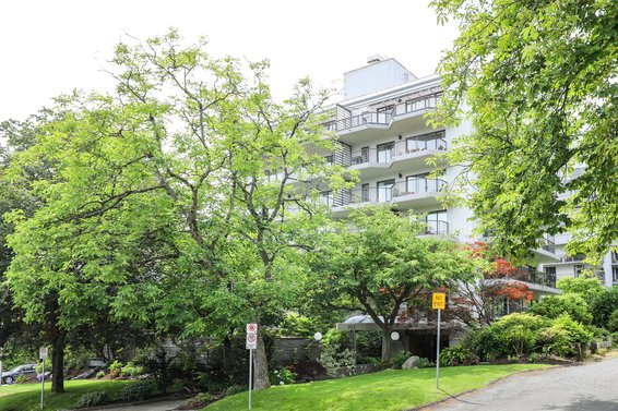 747 17th Street, West Vancouver