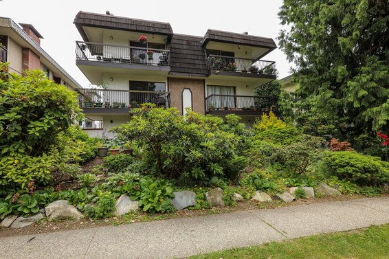 143 E 19th Street, North Vancouver