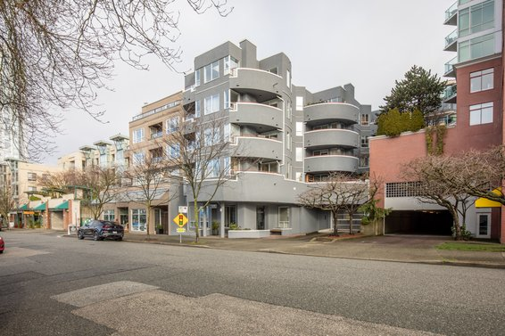 120 E 2nd Street, North Vancouver