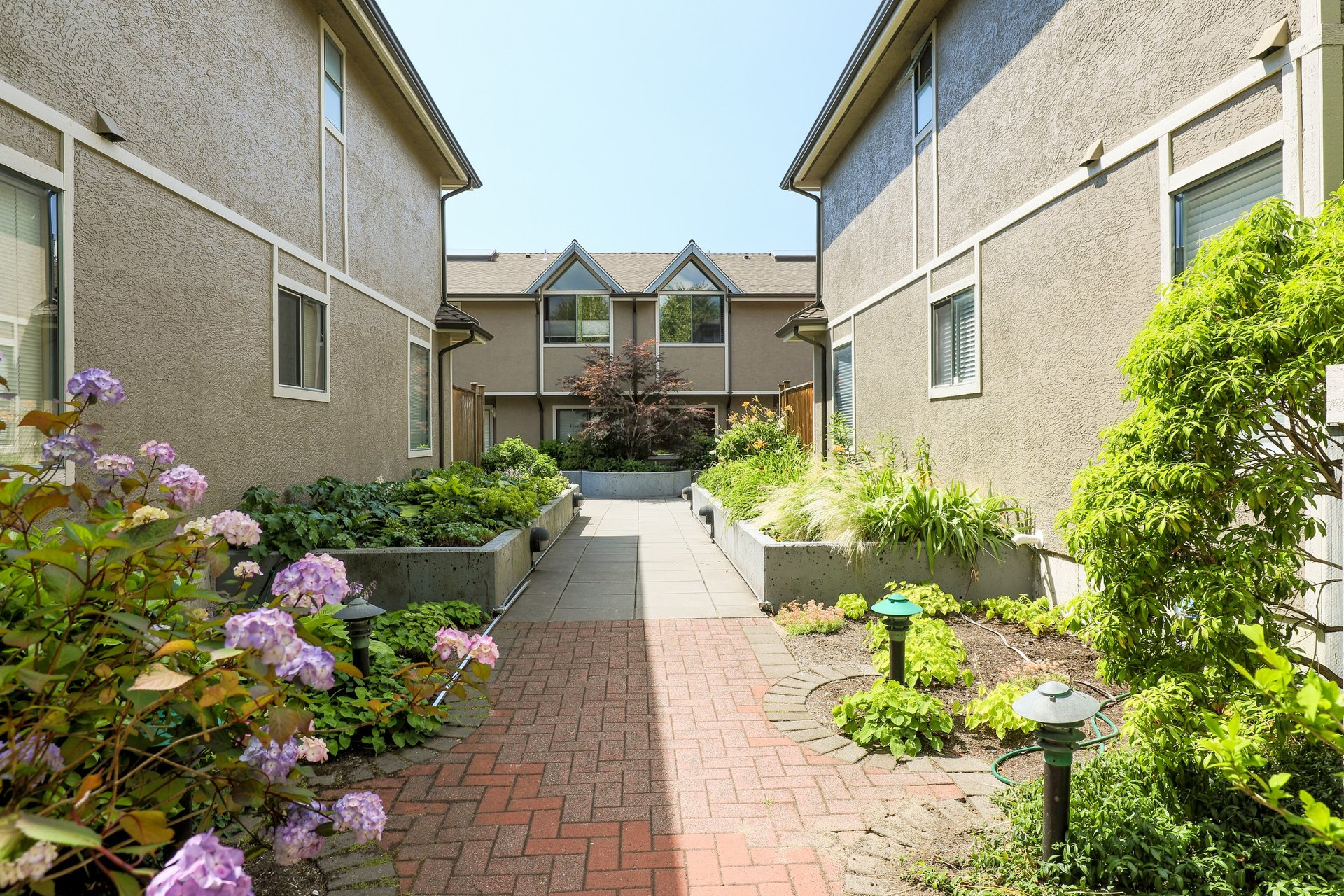 Georgian Court - 2133 St. Georges Street | Townhomes For Sale + Listing Alerts