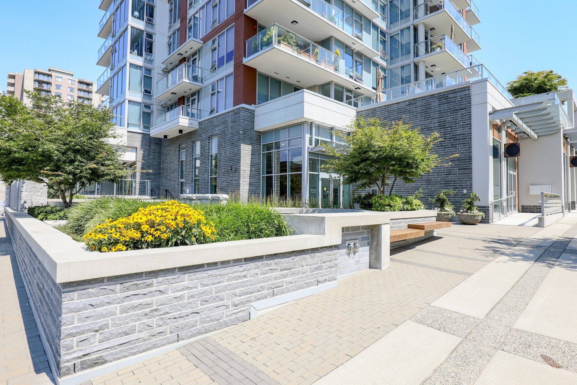 15 West - 150 W 15th St | Condos For Sale + New Listing Alerts