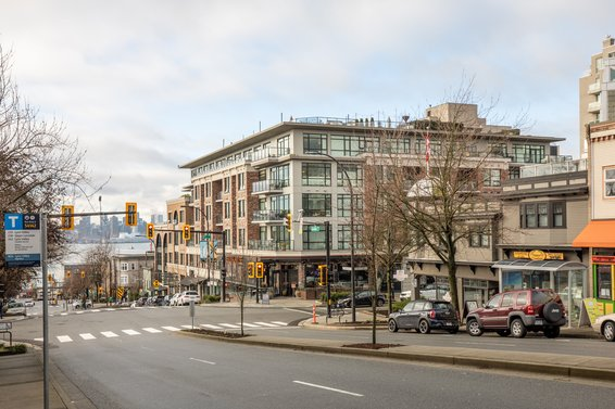 Wallace & McDowell - 105 W 2nd St | Condos For Sale + Sold Listings