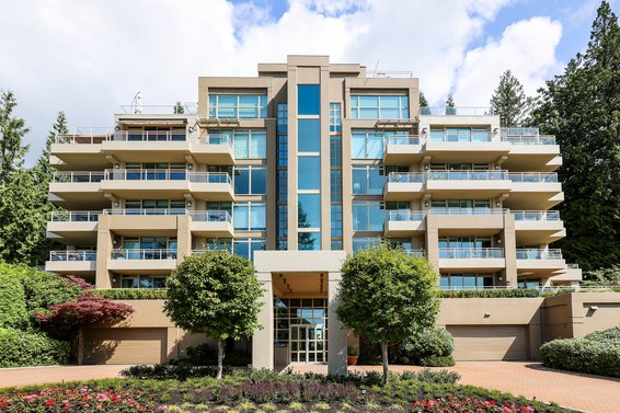 3085 Deer Ridge Close, West Vancouver