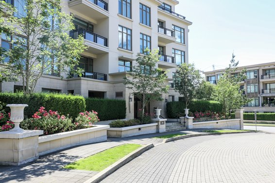 Water's Edge | Condos For Sale + New Listing Alerts