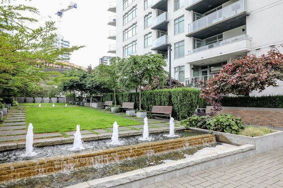 Vista Place - 158 W 13th St | Condos For Sale + Listing Alerts