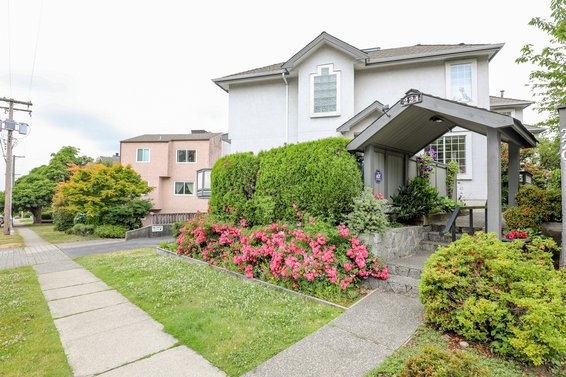 224 W 16th Street, North Vancouver