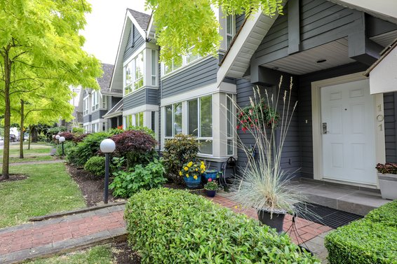 Rose Garden Court - 109 E 6th St | Townhomes For Sale + Listing Alerts