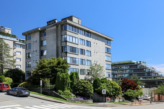 460 14th Street, West Vancouver