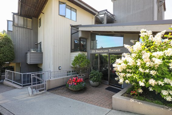 Dundarave Terrace - 225 24th St | Condos For Sale + Listing Alerts