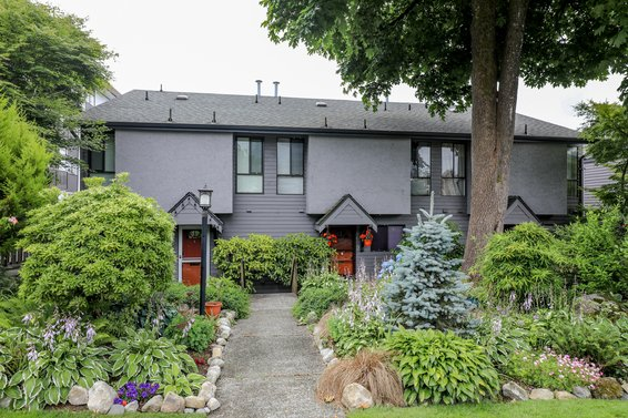 Carlton Court - 225 W 14th St | Townhomes For Sale + Alerts