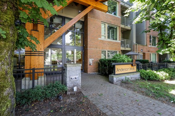 Anderson Walk - 119 W 22nd St | Condos For Sale + Listing Alerts