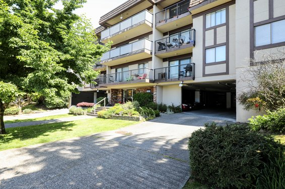 Sandringham Mews - 252 W 2nd St | Condos For Sale + Listing Alerts