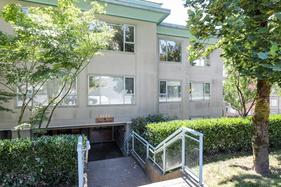 1085 W 17th Street, North Vancouver