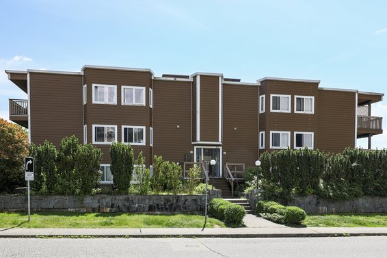 107 W 27th Street, North Vancouver