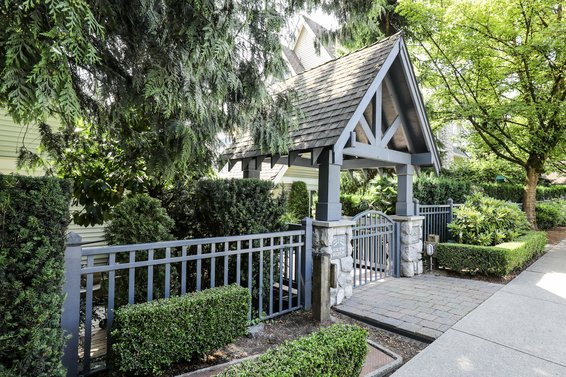 1027 Lynn Valley Road, North Vancouver