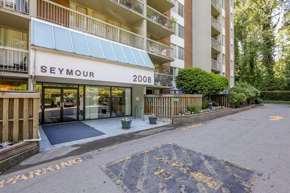 Seymour Building at Woodcroft Estates - 2008 Fullerton Ave | Listings + Alerts