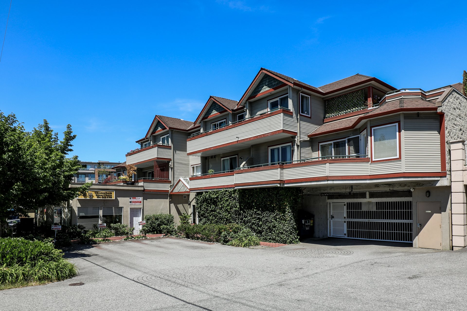 Fell Pointe - 918 W 16th St | Condos For Sale + Listing Alerts