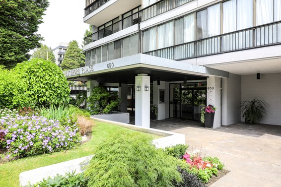 Westshore Place - 650 16th St | Condos For Sale + Listing Alerts