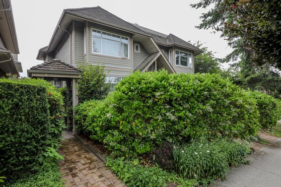 231 W 17th Street, North Vancouver