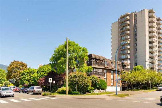 1610 Chesterfield Avenue, North Vancouver