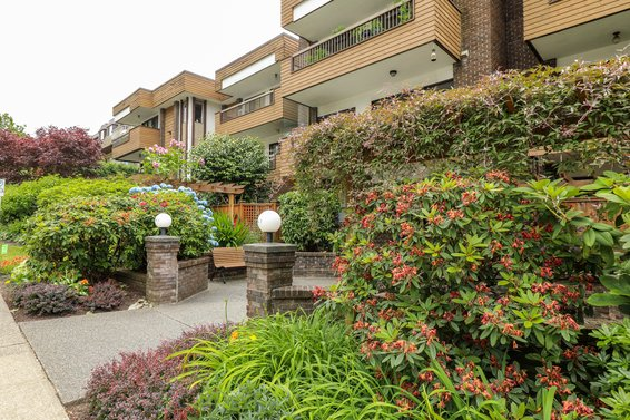141 E 18th Street, North Vancouver