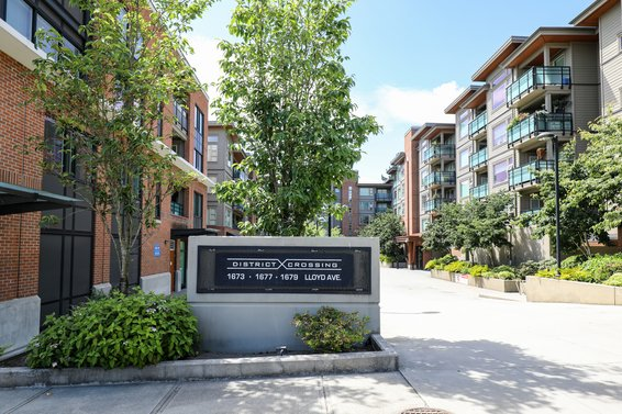 District Crossing, 1673 Lloyd | Condos For Sale + New Listing Alerts