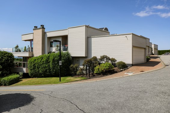 2272 Folkestone Way, West Vancouver