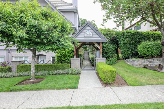 Maple Lane - 258 W 14th St | Townhomes For Sale + Alerts