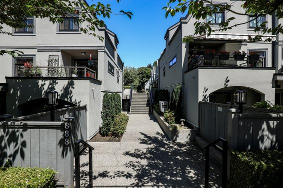 Tobruck Gardens - 888 W 16th St | Townhomes For Sale + Listing Alerts
