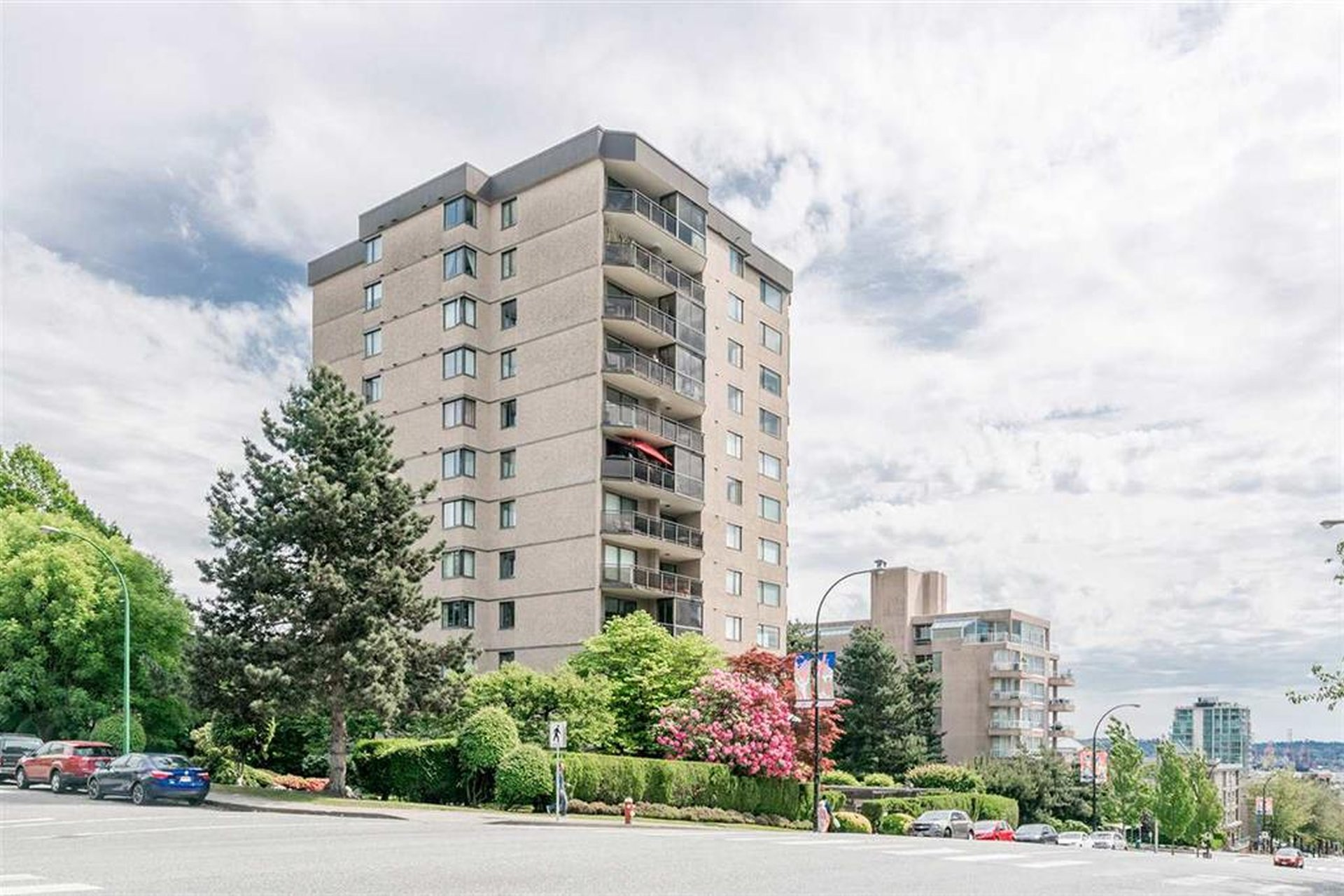 Royal Kensington - 444 Lonsdale | Condos For Sale + Listing Alerts