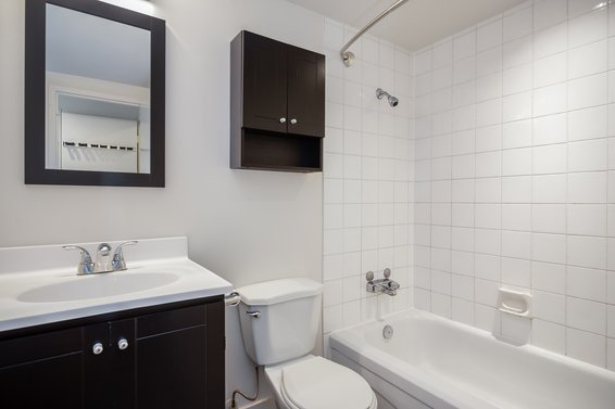 Bathroom - 307-360 East 2nd Street, North Vancouver