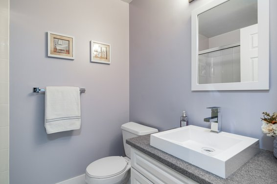 bathroom - 113 3600 Windcrest Drive, North Vancouver