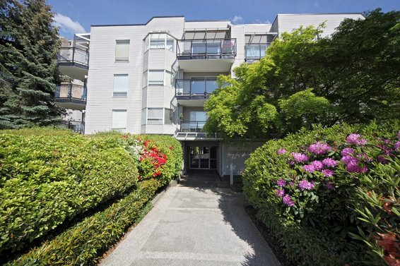 207-1550 Chesterfield Avenue, North Vancouver