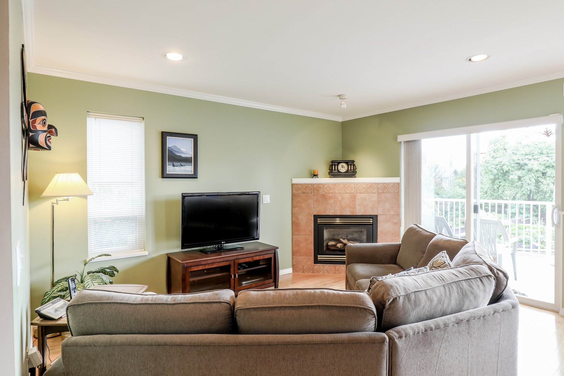 Family Room - 453 East 16th Street, North Vancouver