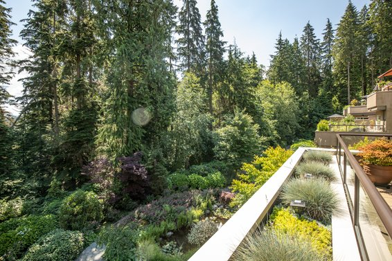 304-1500 Ostler Court, North Vancouver -  outlook 2