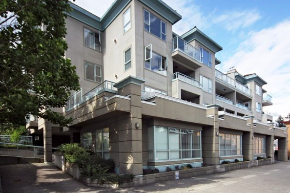 304-1085 W 17th Street, North Vancouver
