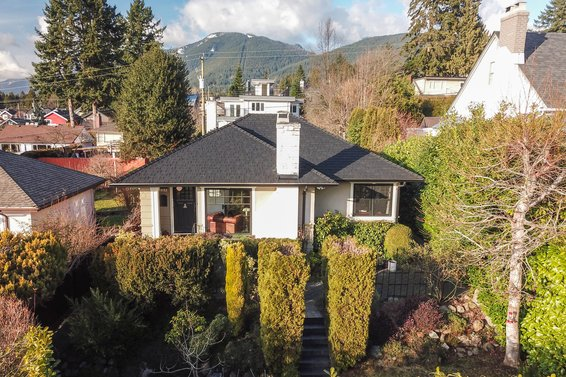 338 West 25th Street, North Vancouver