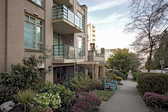 103-1896 Marine Drive, West Vancouver