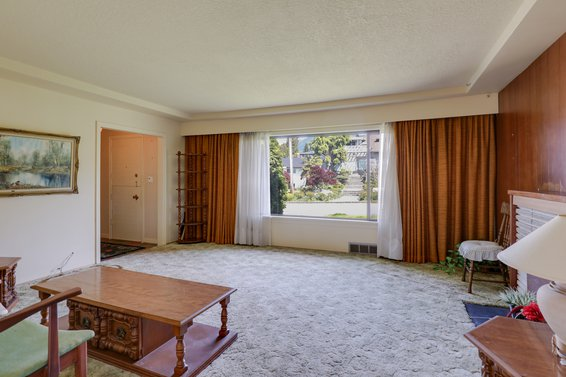 Living Room - 459 East 16th Street, North Vancouver