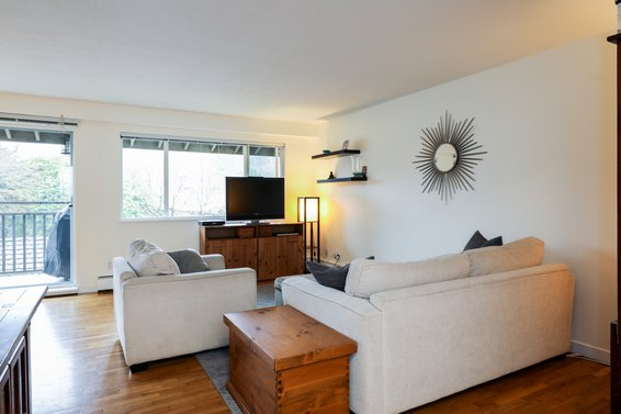 408-555 West 28th Street, North Vancouver