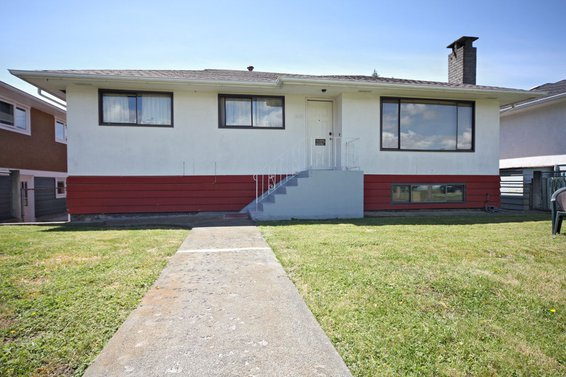 353 East 18th Street, North Vancouver