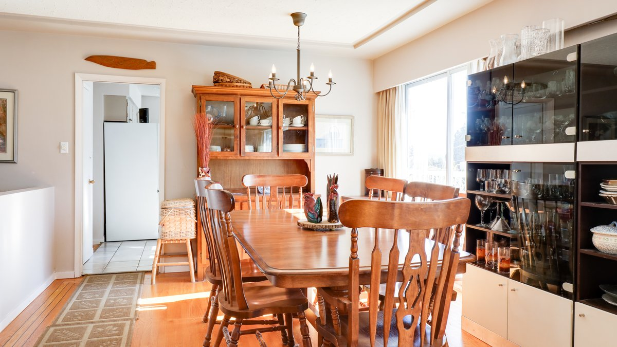 Dining Room - 926 East 29th Street, North Vancouver