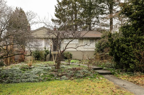 408 West 26th Street, North Vancouver
