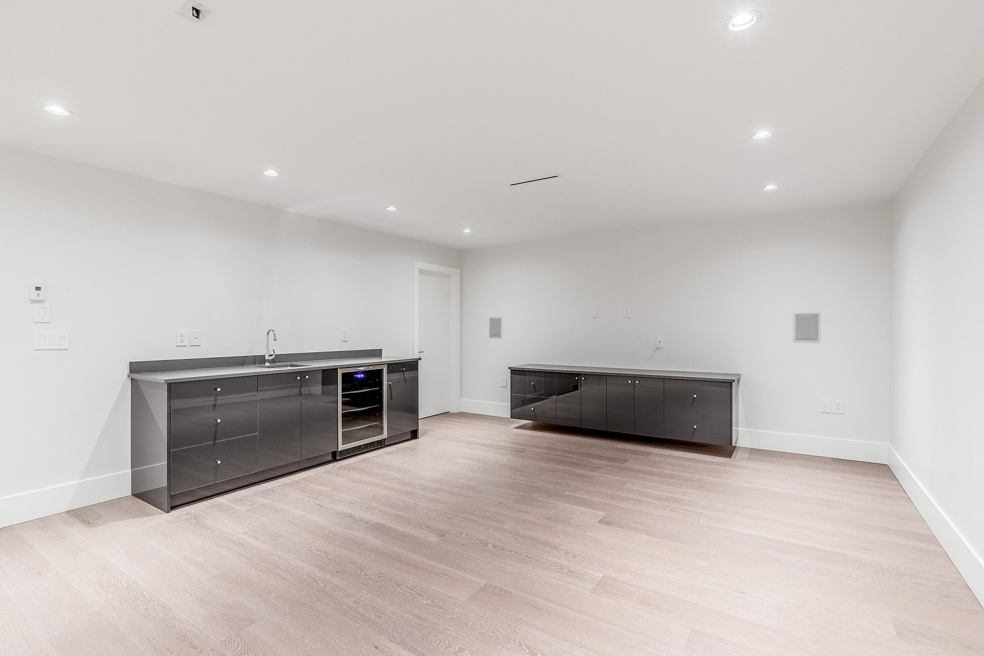 Rec room - 528 East 11th Street, North Vancouver