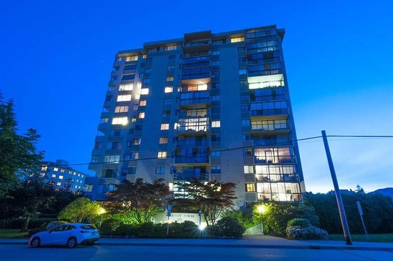 704-555 13th Street, West Vancouver