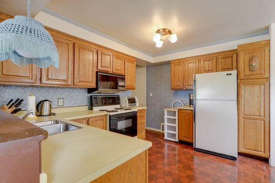 Kitchen - 459 East 16th Street, North Vancouver